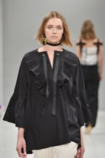 RIANI-Mercedes-Benz-Fashion-Week-Berlin-SS-18-028