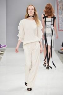 RIANI-Mercedes-Benz-Fashion-Week-Berlin-SS-18-031