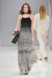 RIANI-Mercedes-Benz-Fashion-Week-Berlin-SS-18-032