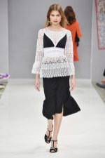 RIANI-Mercedes-Benz-Fashion-Week-Berlin-SS-18-039