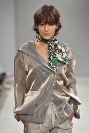 RIANI-Mercedes-Benz-Fashion-Week-Berlin-SS-18-046