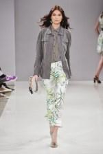 RIANI-Mercedes-Benz-Fashion-Week-Berlin-SS-18-066