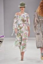 RIANI-Mercedes-Benz-Fashion-Week-Berlin-SS-18-069
