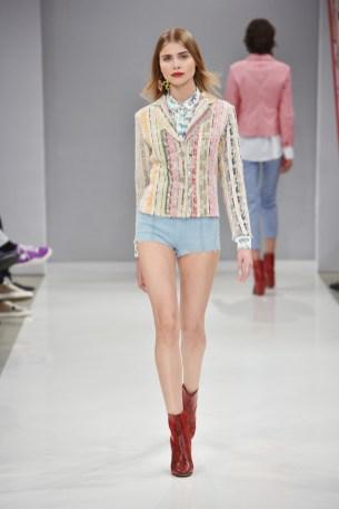 RIANI-Mercedes-Benz-Fashion-Week-Berlin-SS-18-082