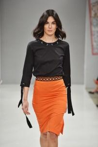 RIANI-Mercedes-Benz-Fashion-Week-Berlin-SS-18-091