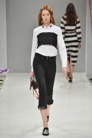 RIANI-Mercedes-Benz-Fashion-Week-Berlin-SS-18-107