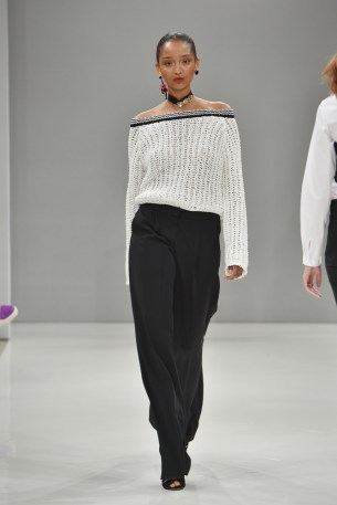 RIANI-Mercedes-Benz-Fashion-Week-Berlin-SS-18-108