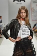 RIANI-Mercedes-Benz-Fashion-Week-Berlin-SS-18-111