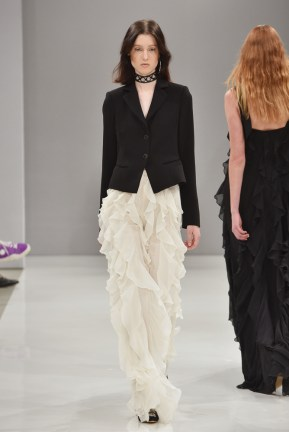 RIANI-Mercedes-Benz-Fashion-Week-Berlin-SS-18-113