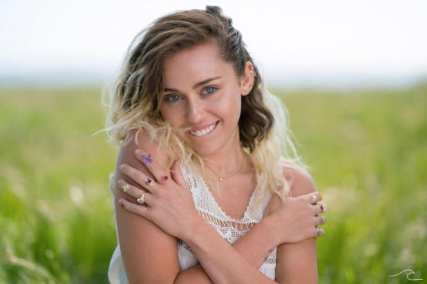 Miley Cyrus neuer Song - WeekWithout You