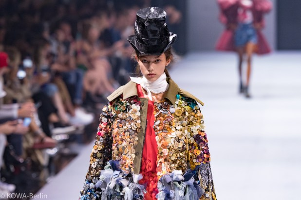 Viktor & Rolf Show - Bread and Butter by Zalando 2017