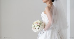 Brautmode und die Brautjungfernkleider