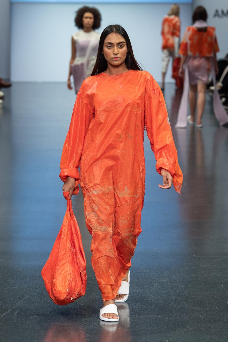 NEO_Fashion 2020 - Schneeberg Alina Herzau