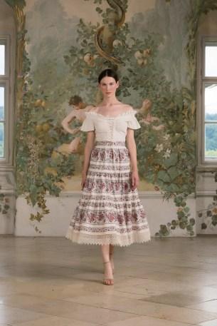 Folies-Blouse-crème-Paysanne-Skirt-RW-SS21
