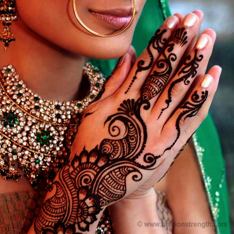 Modern Simple Arabic Mehndi Designs For Back Hands