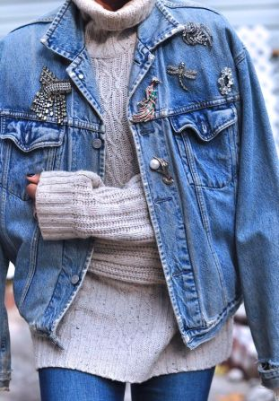 jean-jacket-with-pins