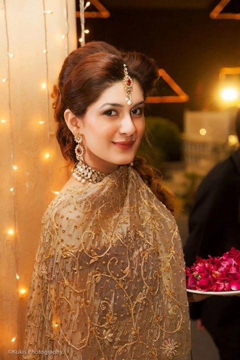 Beautiful Kubra Khan at her Friends Wedding  Pakistani