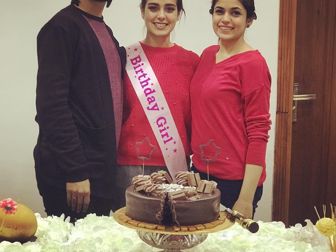 Iqra Aziz Celebrating her Birthday with her Family  Pakistani Drama Celebrities