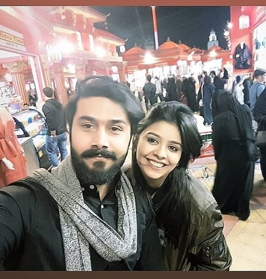 Ali Abbas with his Wife and Kids - Awesome Clicks