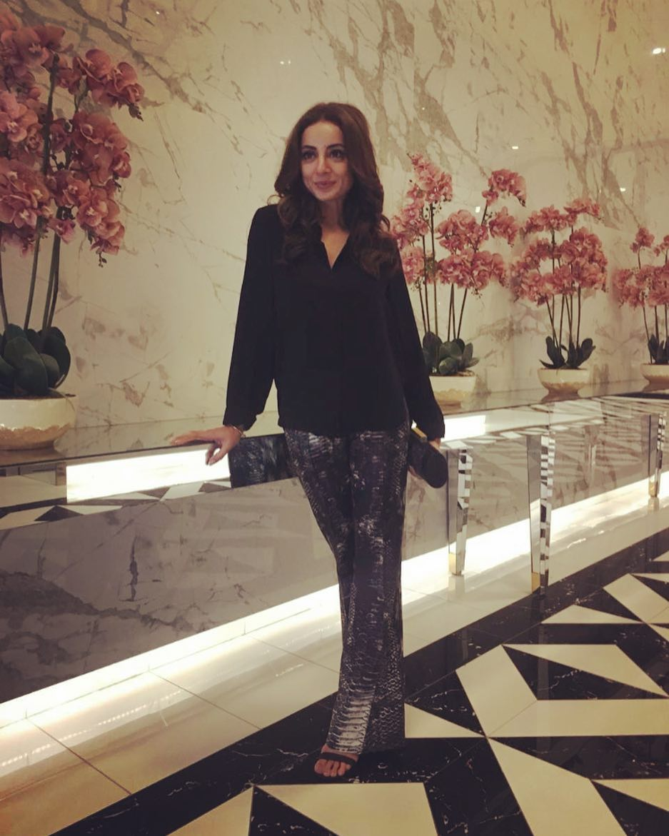 Sarwat Gillani and Fahad Mirza with their Kids - Awesome Photos