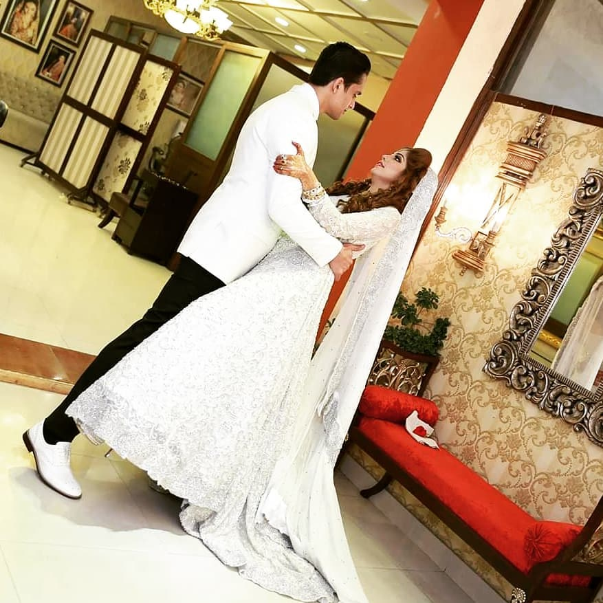 Beautiful Wedding Pictures of Famous Anchor Host Aleena