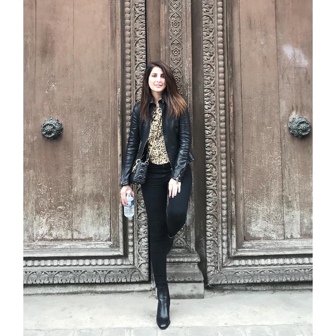 New Photos of Actress Areeba Habib in Europe (Paris)