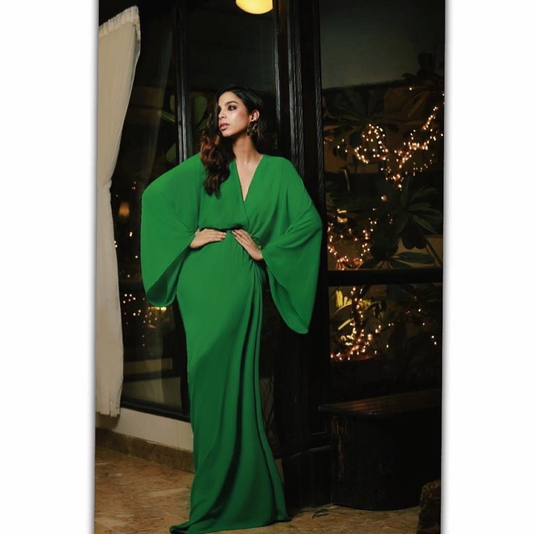 New Photoshoot of Sonya Hussain - Looking Stunning in Saree