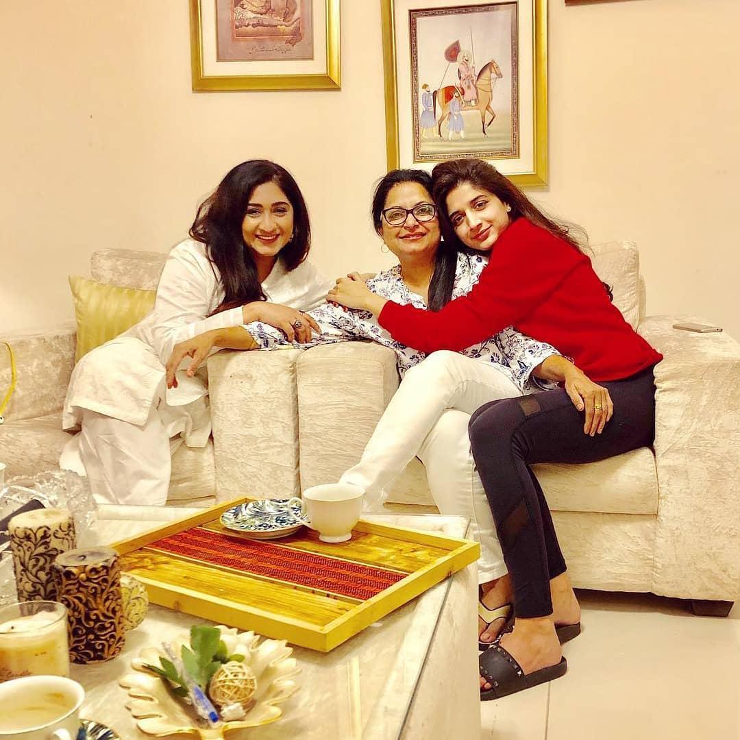 Latest Beautiful Clicks of Mawra Hocane  Pakistani Drama