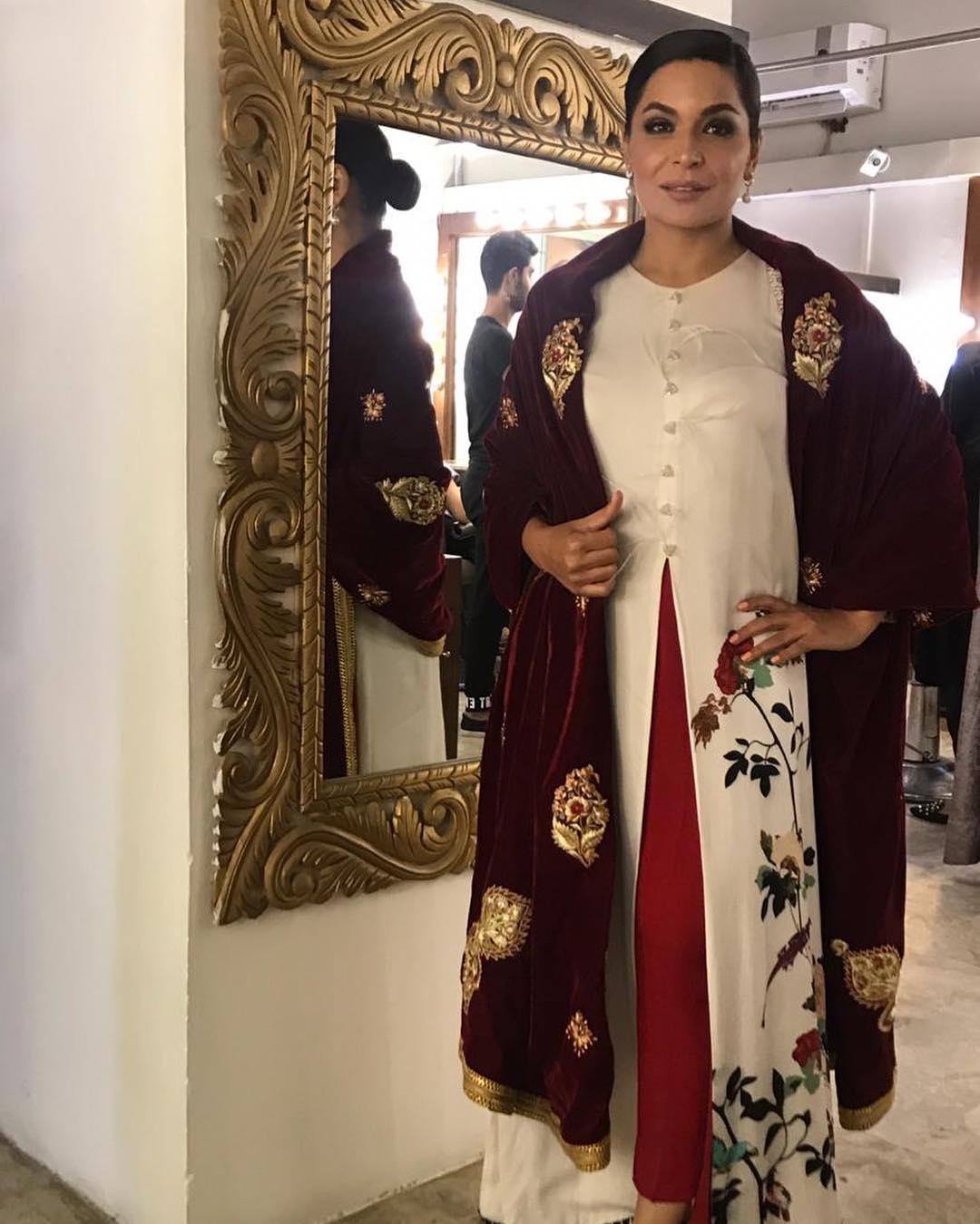 Latest Beautiful Pictures of Meera in Dubai  Pakistani