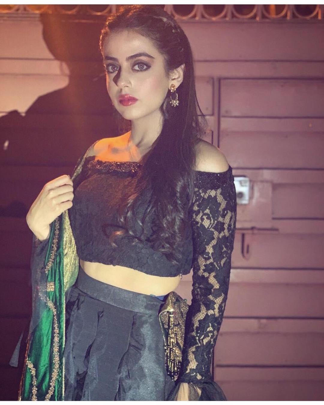 Latest Pictures Of Yashma Gill In Turkey Pakistani Drama Celebrities