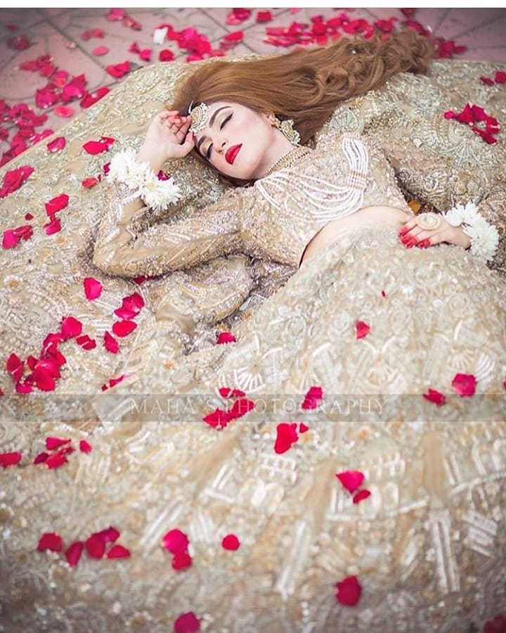 Kinza Hashmi Looking Gorgeous In Her Latest Bridal Photoshoot Pakistani Drama Celebrities
