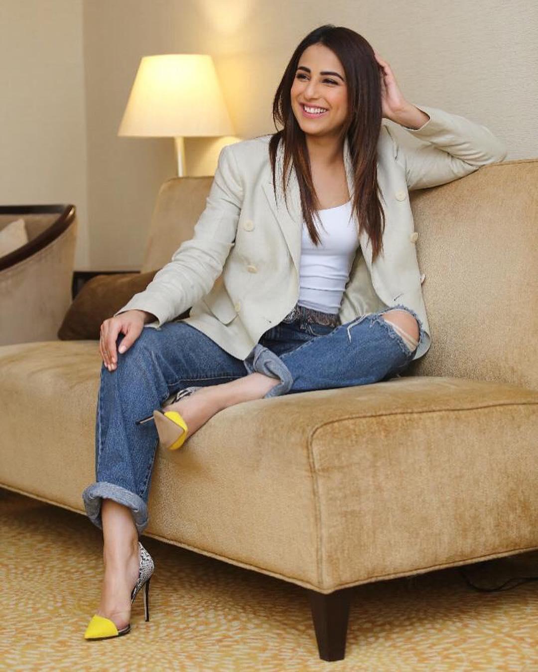 Latest Clicks Of Actress Ushna Shah Pakistani Drama Celebrities