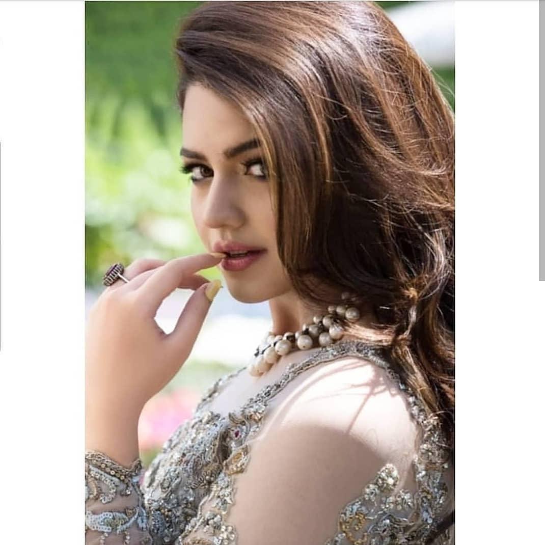 Zara Noor Abbas Looking Gorgeous in her Latest Photoshoot