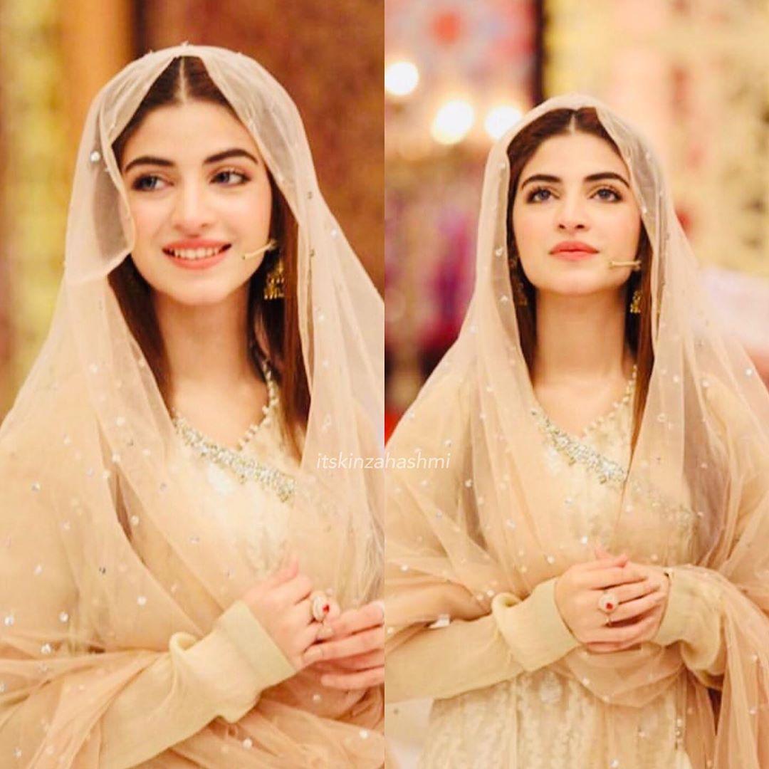 Beautiful Kinza Hashmi With Javeria Saud In Express Tv Ramzan Transmission Pakistani Drama