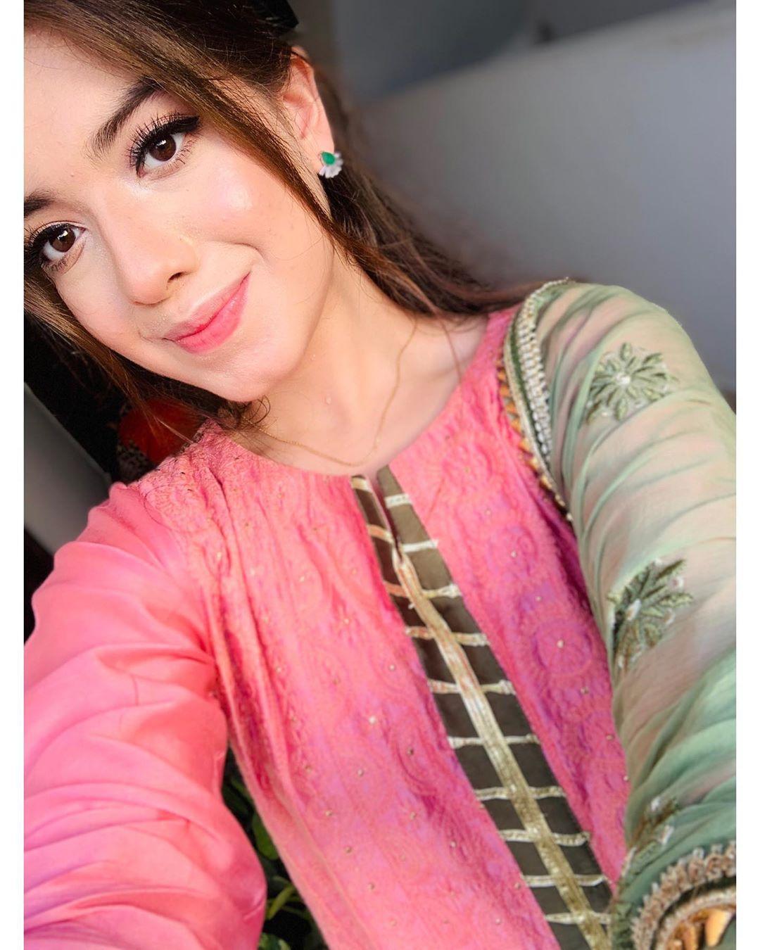 Beautiful Eid Pictures Of Actress Arisha Razi Pakistani