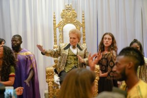 Walter Mercado Fashion Vitrine