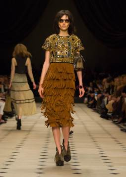Runway-Burberry-Prorsum-Fashion-Show-Winter-2015