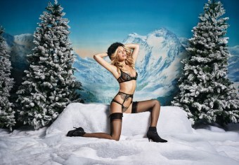 Agent-Provocateur-ad-advertisement-campaign-holiday-2015-the-impression-01