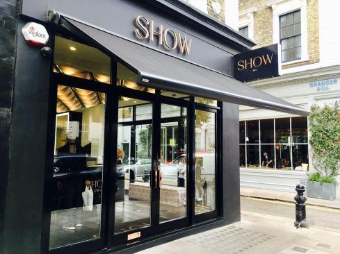 SHOW DRY Notting Hill Fashion Voyeur