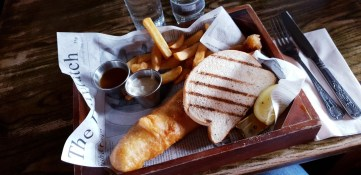 An image of some fish and chips at The Dickens Inn in London taken with the Samsung Galaxy S9 Plus on a camera trial using food mode