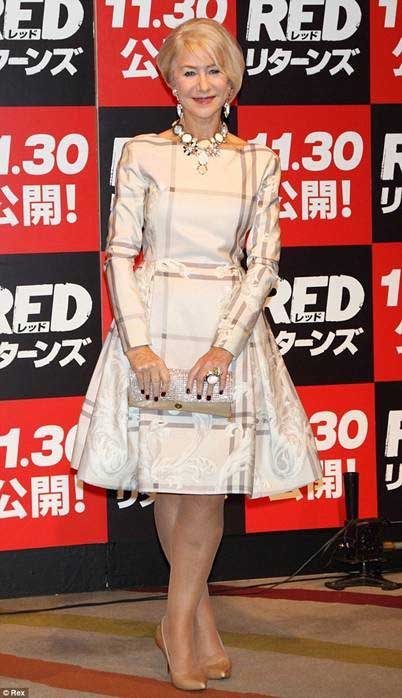 helen mirren Dennis Basso red2 Japan