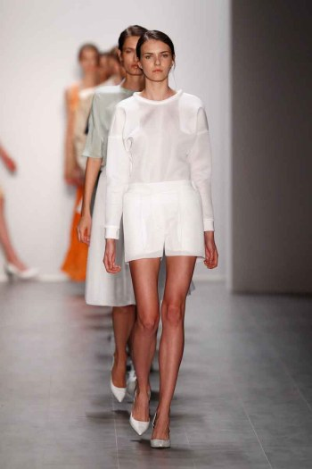 Hien Le Show - Mercedes-Benz Fashion Week Spring/Summer 2015