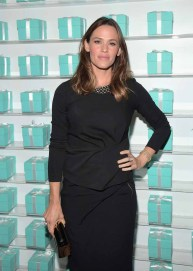 BEVERLY HILLS, CA - OCTOBER 13: Actress Jennifer Garner attends Tiffany & Co.'s unveiling of the newly renovated Beverly Hills store and debut of 2016 Tiffany masterpieces at Tiffany & Co. on October 13, 2016 in Beverly Hills, California. (Photo by Charley Gallay/Getty Images for Tiffany & Co.)