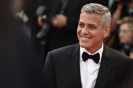 VENICE, ITALY - SEPTEMBER 02: George Clooney walks the red carpet ahead of the 'Suburbicon' screening during the 74th Venice Film Festival at Sala Grande on September 2, 2017 in Venice, Italy. (Photo by Stefania D'Alessandro/WireImage)