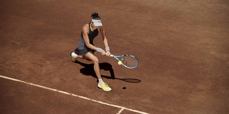 Alcanzar Farmacología Moviente  adidas by Stella McCartney Unveils Roland Garros Collection - FashionWindows