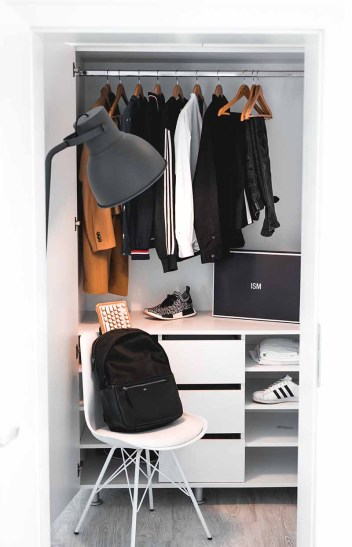 wardrobe vertical