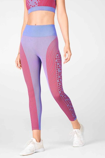 High-Waisted Seamless Star Capri_Crystal Blue-Red Lipstick_Front
