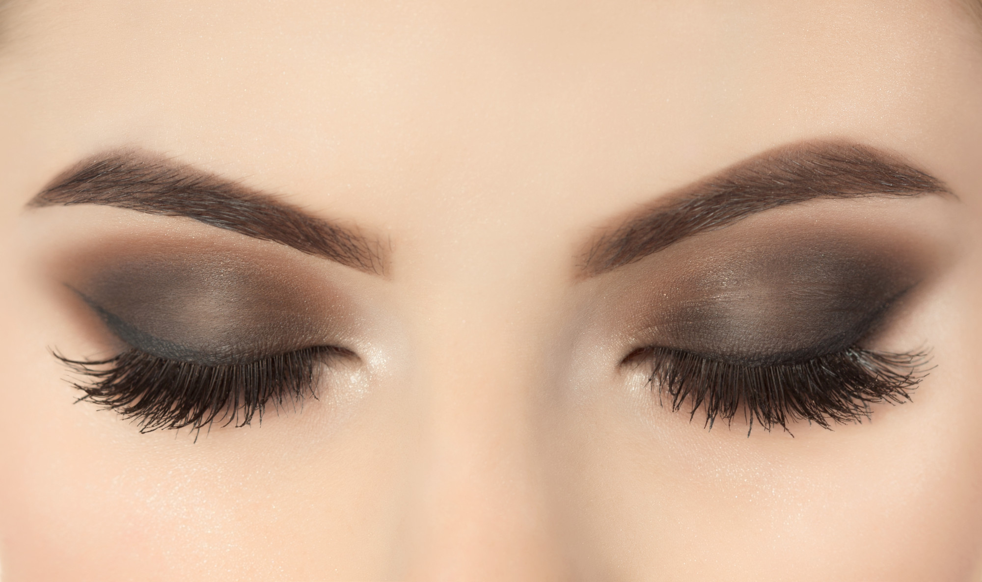 The Complete Guide to Getting Beautiful Eyelashes