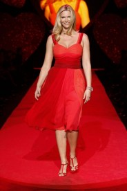 Natasha Henstridge in Verrier