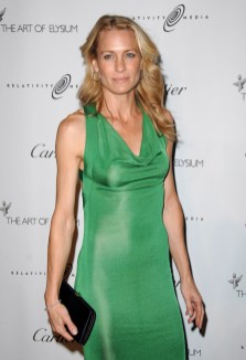 Robin Wright Penn in Cartier Jewelry